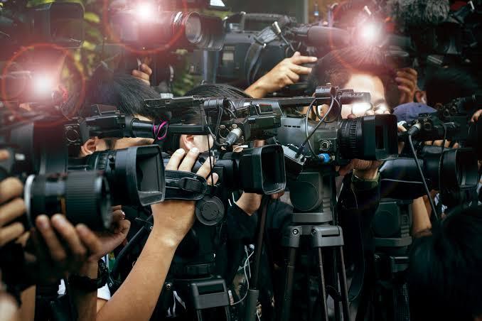 میڈیاکوڈرانابندکیاجائے،ایڈیٹرز گلڈنے صحافیوں کے خلاف ایف آئی آر کی شدید مذمت کی