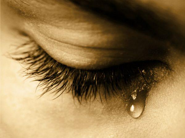 ہیں آنسو بدگماں ہم سے ہمارے ـ کبیر اطہر