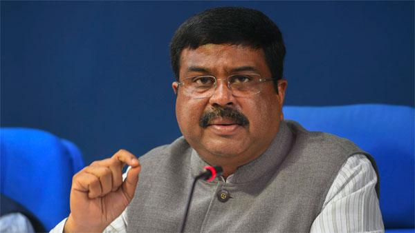وزیر پیٹرولیم دھرمیندر پردھان نے کہا:سردیوں کا موسم ختم ہوتے ہی کم ہوجائے گی پٹرول اور ڈیزل کی قیمت