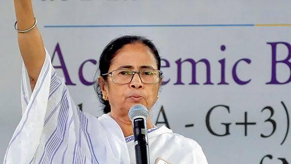 مغربی بنگال اسمبلی انتخابات:ٹی ایم سی کا بنگال کی بیٹی کے نعرے پر زور،بھاجپا پر ہندوتواحاوی