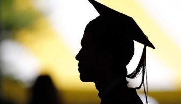 فارغینِ مدارس کو یونیورسٹی میں کیوں پڑھنا چاہیے؟- محمد عادل خان